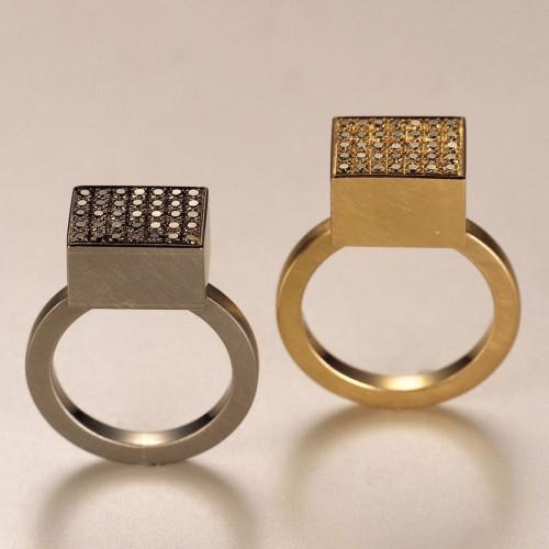 Elisabeth Heine - Two rings