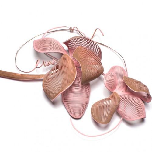 Miriam Hiller - flower brooch