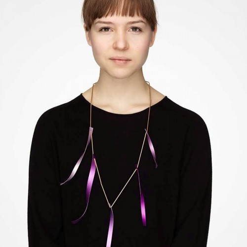 Karin Johansson - Alva with necklace soundtrack