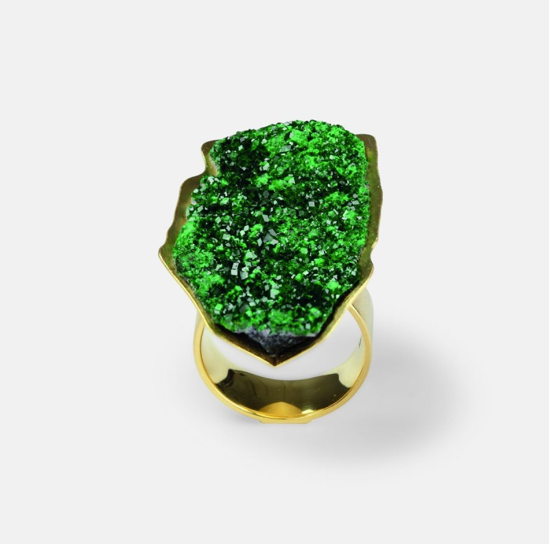 Michael Becker - ring sculpture uvarovite