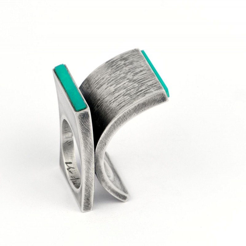 Helfried Kodré - ring sculpture turquoise